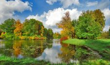 Free Bright Autumn Day In The Park Royalty Free Stock Photo - 6344205