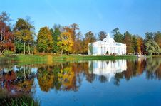 Free Classical Building Near The Pond In Autumn Stock Images - 6344284