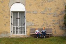 Free Children On Bench Royalty Free Stock Image - 6345316