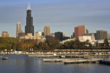 Free Chicago Seen From Marina Royalty Free Stock Photography - 6346287