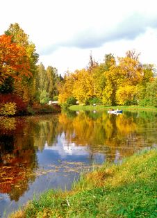 Free Picturesque Pond In Autumn Day Stock Image - 6348461