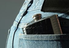 Free Hipflask In Jean Pocket Royalty Free Stock Photo - 6348725