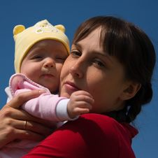 Free Baby With Mom Stock Photography - 6350002