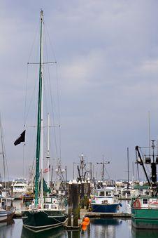 Free Green Boats At Harbor Royalty Free Stock Photos - 6351848