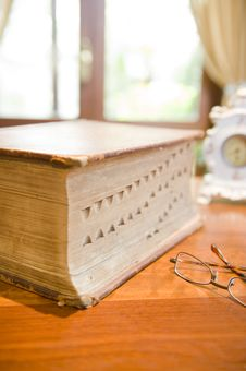 Free Antique Reference Book Stock Photo - 6352400