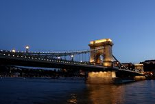 Free Chain Bridge Over The Danube In Budapest Royalty Free Stock Images - 6353989