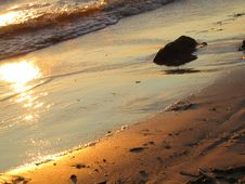 Free Sunrays On Water Stock Photos - 6354893
