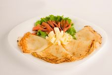 Free Salad With Pancakes, Clipping Path Included Royalty Free Stock Images - 6355459