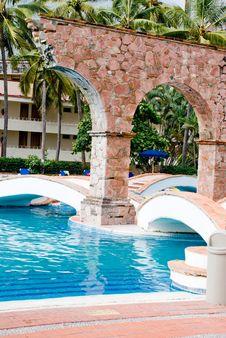 Free Pool & Arches Royalty Free Stock Photos - 6358348
