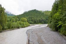 River Through The Mountains Royalty Free Stock Photos