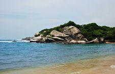 Free Caribbean Rock Island Royalty Free Stock Image - 6361336