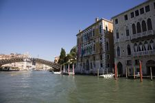 The Rialto Bride Grand Canal At Day Royalty Free Stock Image