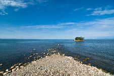 Free Desert Island In The Sea Royalty Free Stock Photo - 6367905