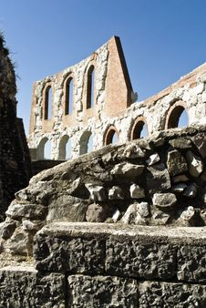 Free Roman Theater At Gubbio Royalty Free Stock Photography - 6371947