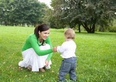 Free Mother And Daughter Royalty Free Stock Photos - 6372678