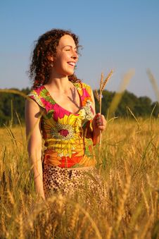 Free Young Woman Stands On Wheaten Field Royalty Free Stock Photos - 6373218