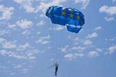 Free Man With A Blue Paraglider Royalty Free Stock Images - 6373809