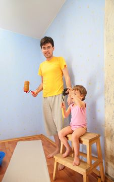 Free Father With Child Repair Room Stock Photography - 6375002