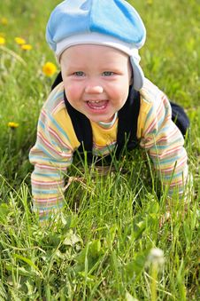 Free Baby Creep On Grass Stock Image - 6375661