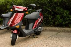 Free Red Scooter Stock Photography - 6377992