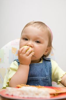 Free Eating Baby Girl Royalty Free Stock Images - 6379959