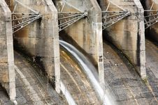 Free Flood Gates Of A Dam Royalty Free Stock Photography - 6380197