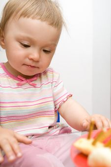 Free Eating Baby Girl Stock Photo - 6381670