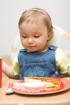 Free Eating Baby Girl Royalty Free Stock Photography - 6381847