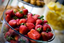 Free Bowl Of Strawberries Stock Photography - 6382552