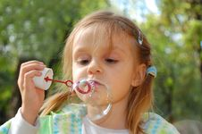 Free Blowing Bubbles Royalty Free Stock Photos - 6386198