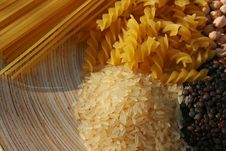 Free Pulses  And Pastas Royalty Free Stock Image - 6388136