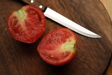 Free Tomato With Knife Royalty Free Stock Images - 6388769