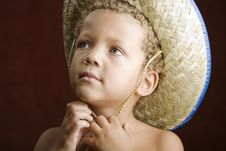 Free Little Boy In A Straw Hat Royalty Free Stock Images - 6390909