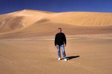 Free Walking In The Desert Stock Image - 6392701