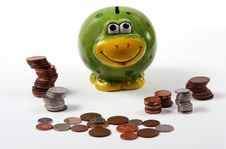 Free Froogy Style Piggy Bank With Piles Of Cash Royalty Free Stock Images - 6392749