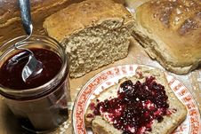 Free Fresh Bread And Homemade Fruit Preserve Royalty Free Stock Image - 6394036