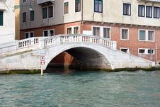 Free Bridge In Venice, Italy Royalty Free Stock Images - 6395919