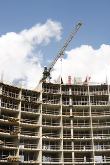 Free Crane At A House Over Construction Royalty Free Stock Photography - 6396337