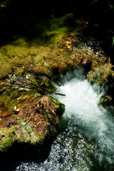 Free Beautiful Forest Waterfall Detail Royalty Free Stock Images - 6399159