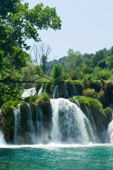 Free Beautiful Forest Waterfall Stock Images - 6399684
