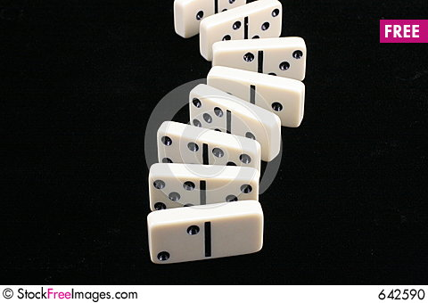Free Roll Of Dominoes. Stock Photo - 642590