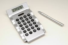 Free Calculator With Pen (2) Royalty Free Stock Photography - 640487