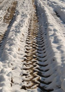 Free Tractor Tracks In Snow Royalty Free Stock Images - 641249