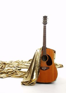 Free Liquid Gold Guitar Royalty Free Stock Images - 641259