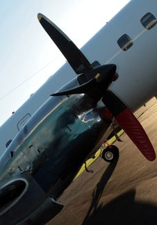 Free Airplane Propeller Royalty Free Stock Photos - 644438