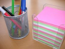Free Desktidy And Notelets Stock Photography - 644592