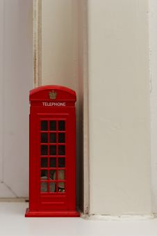 Free Red Phonebooth Royalty Free Stock Photo - 646095