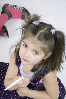 Free The Youngest Make-up Artist Stock Photography - 648362