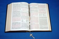 Free Holy Bible And Rosary Stock Photos - 649493