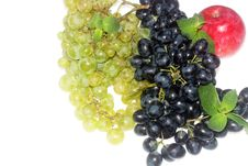 Green And Red Grapes And Apple Royalty Free Stock Photos
